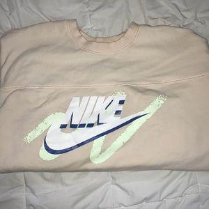 ADORABLE retro Nike Sweatshirt never worn!!!